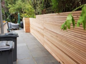 Ceder fence in Wimbledon